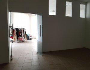 Spatiu comercial open space 115mp, zona centru, randament bun