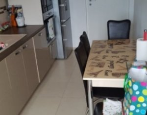Apartament spatios, la cheie, 2 camere, decomandat, Floresti, zona Terra