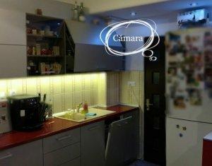Vanzare apartament 3 camere, 2 bai, situat in Floresti, zona Florilor