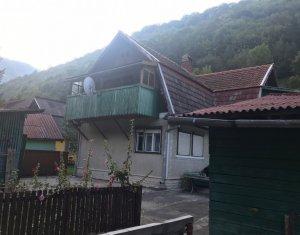 Vanzare casa de vacanta, Maguri-Racatau, 140 mp util, teren 800 mp, la asfalt
