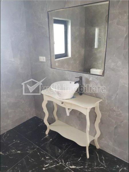 Maison 4 chambres à vendre dans Chinteni