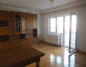 Vanzare apartament cu 3 camere, decomandat, Floresti, strada Gheorghe Doja