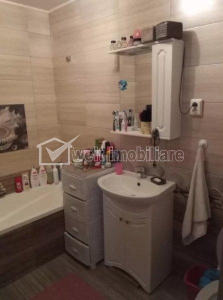 Vanzare apartament 3 camere, gradina 80 mp, situat in Floresti, zona Eroilor