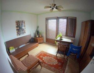 Vanzare apartament 3 camere, Grigorescu, zona 14 Iulie