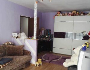 Vanzare apartament cu 2 camere, decomandat, Floresti, strada Porii