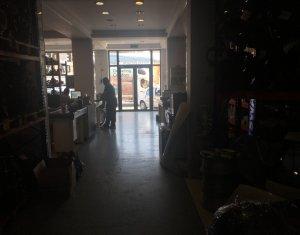 Spatiu comercial la strada, 1000 mp, zona Avram Iancu