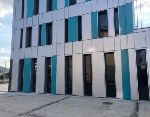 Spatiu comercial-showroom zona Opel Sanicoara, la strada, parcari