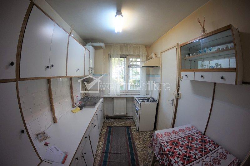 Vanzare apartament 2 camere, 52 mp, balcon, zona Politiei Rutiere