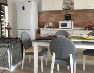 Vindem apartament cu 3 camere, decomandat, 70 mp, et. intermediar, zona Marasti