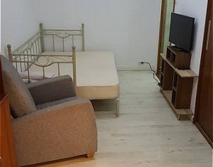 Inchiriere apartament 1 camera, 35 mp, lux, curte comuna, Centru