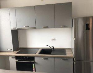 Vanzare apartament cu 3 camere, Floresti, zona Terra