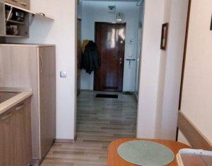 Apartament de inchiriat 2 camere, decomandat, etaj intermediar, garaj