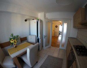 Inchiriere apartament 3 camere, confort lux, centru, zona Cipariu