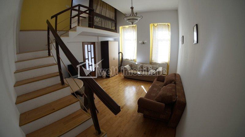 Apartament de 3 camere, semidecomandat, Centru