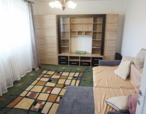 Apartament de vanzare, decomandat, 3 camere, garaj, Complex Diana