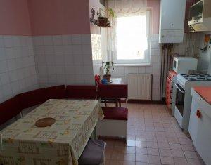 Apartament 4 camere, 78 mp, 2 bai, 2 balcoane, mobilat, strada Bucuresti
