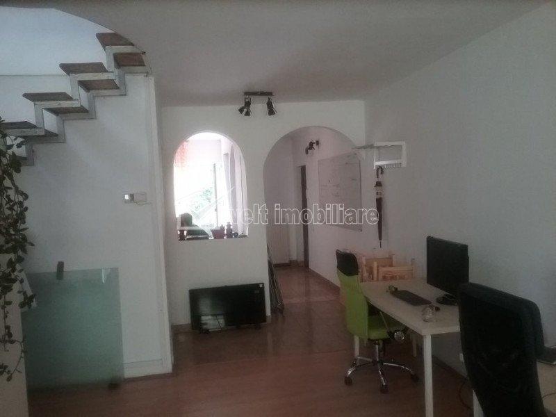 Apartament 3 camere, scara interioara, 110 mp, terasa 60 mp, imobil nou, Centru