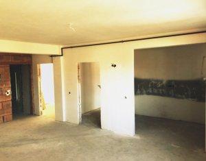 Vanzare apartament cu 3 camere, semifinisat, Floresti, Sub Cetate