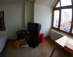 Apartament de o camera, decomandat, ultracentral