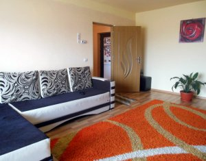 Vanzare apartament cu 2 camere, decomandat, Sesul de sus, Floresti