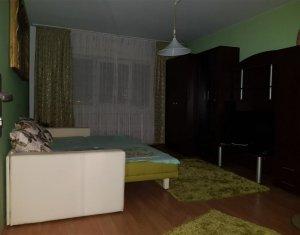 Apartament de 2 camere, decomandat, Intre Lacuri