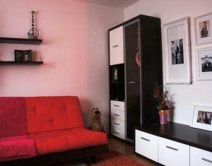 Vindem apartament cu o camera, 38 mp, mobilat, utilat, cartier Intre Lacuri