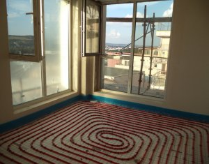 Vindem apartament 3 camere, zona Vivo, Floresti
