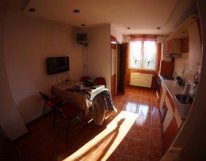 Apartament de inchiriat, 4 camere, 104 mp, etaj intermediar, Manastur