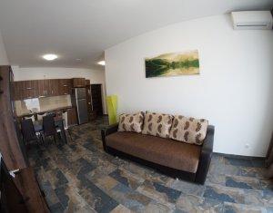 Inchiriere apartament 3 camere, zona Iulius Mall, loc de parcare