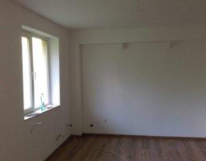 Vanzare apartament de 3 camere, Calea Baciului
