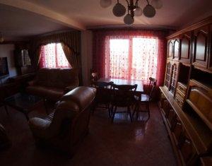 Vanzare apartament cu 3 camere, 75 mp, decomandat, in Zorilor