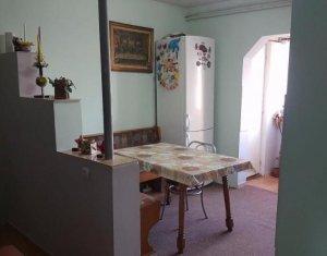 Vanzare apartament 2 camere, decomandat, Intre Lacuri, zona strazii Tulcea