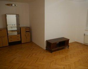 Casa individuala, 8 camere, 240 mp, zona Cluj Arena