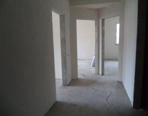 Apartament semifinisat, 3 camere, decomandat, etaj 2, zona Cetatii, Floresti