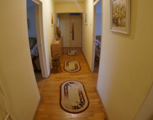 Vindem apartament 3 camere, 82 mp, decomandat, zona Piata Marasti, super oferta