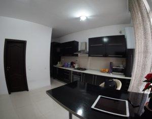 Apartament 3 camere, lux, zona Pietei Mihai Viteazau