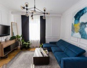 Apartament cu 3 camere, superb, ultracentral, prima inchiriere