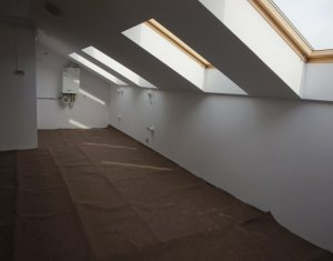 Vanzare apartament cu 2 camere in Floresti, strada Florilor