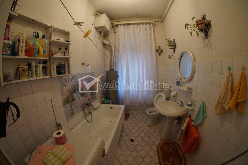 Vanzare apartamen cu 4 camere la vila in zona strazii Emil Racovita