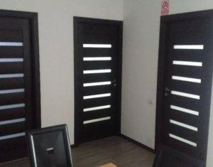 Vindem apartament cu 2 camere, mobilat, utilat, semidecomandat, et. intermediar