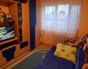 Apartament 3 camere, 65 mp, decomandat, centrala termica, zona buna, Manastur