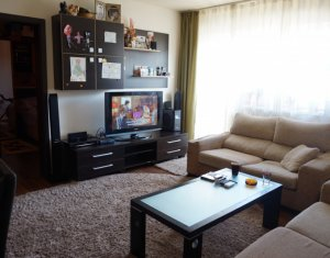 Inchiriere apartament cu 3 camere, strada Teilor, Floresti