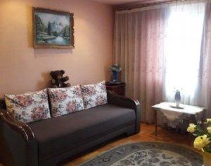 Apartament de vanzare 3 camere, semidecomandat, Manastur, zona Bucegi