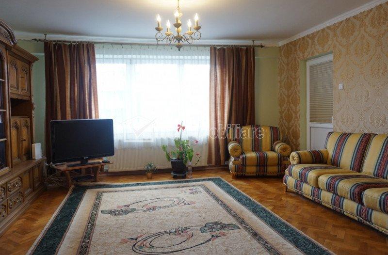 Apartament de inchiriat cu 3 camere, 100 mp, strada Titulescu, ocupabil imediat