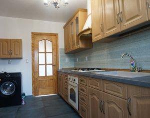 Apartament de inchiriat cu 3 camere, 91 mp, strada Titulescu, ocupabil imediat