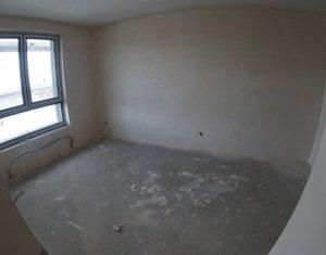 Vanzare apartament cu 3 camere, 2 bai, balcon mare, in Park Lake