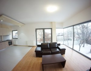 Inchiriere apartament la vila, 3 camere, priveliste superba, zona ultracentrala