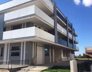 Vindem apartament cu 3 camere, semidecomandat, 66 mp, et. intermediar, C. Turzii