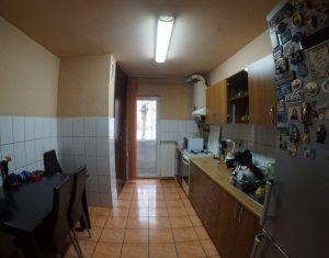 Apartament 3 camere decomandat, zona Kaufland