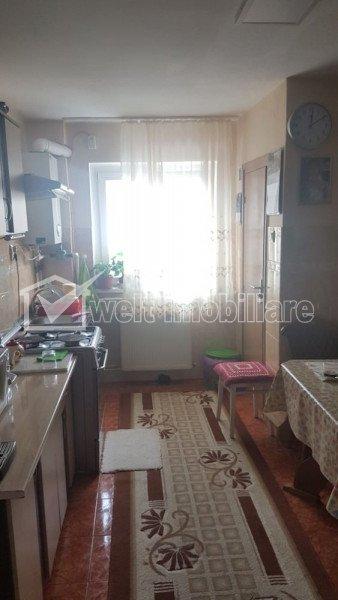 Vindem apartament cu 3 camere, decomandat, 65 mp, etaj intermediar, Manastur